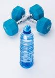 蓝色健身齿轮 免版税库存照片