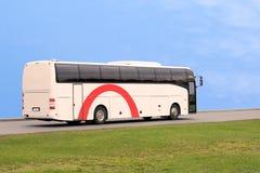 蓝色公共汽车天空速度旅行 免版税库存图片
