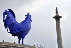 蓝色公鸡在特拉法加广场 免版税图库摄影