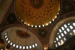 蓝色内部伊斯坦布尔清真寺 免版税库存照片