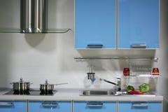 蓝色内部厨房 免版税库存图片