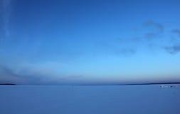 蓝色冰天空 库存图片