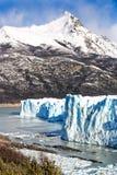 蓝色冰层在佩里托莫雷诺冰川,阿根廷湖,巴塔哥尼亚,阿根廷 免版税库存图片