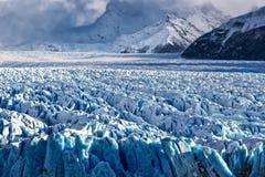 蓝色冰层在佩里托莫雷诺冰川,阿根廷湖,巴塔哥尼亚,阿根廷 库存照片