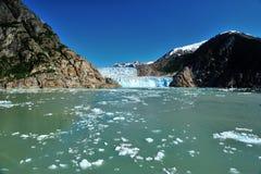 蓝色冰山形成 免版税库存图片