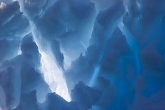 蓝色冰山 免版税库存图片