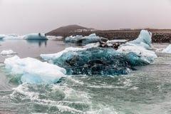 蓝色冰川冰盐水湖冰岛 库存图片