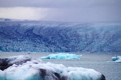 蓝色冰川 库存照片