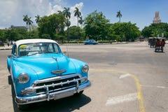 蓝色出租汽车在哈瓦那 免版税库存照片