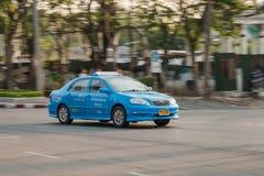 蓝色出租汽车在曼谷 免版税库存照片