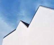 蓝色前山墙天空白色 免版税库存照片