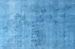 蓝色剥落的墙壁 免版税库存图片