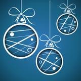 蓝色加点的被乱写的圣诞节球 库存例证