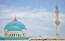 蓝色半球形的清真寺 库存图片