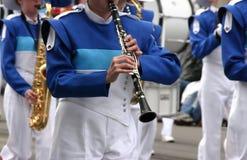 蓝色单簧管球员风 图库摄影