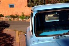 蓝色卡车视窗 免版税库存照片