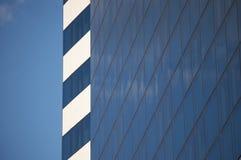 蓝色反映天空 免版税库存照片