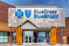 蓝色发怒蓝色盾外部和商标 免版税图库摄影