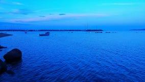 蓝色和小船 库存照片