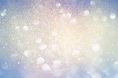蓝色和桃红色抽象bokeh光 defocused的背景 免版税图库摄影