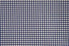 蓝色和白色方格花布布料背景 库存图片