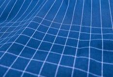 蓝色和白色格子花呢披肩织品样式背景 免版税库存图片