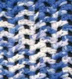 蓝色和白色钩针编织样式 免版税图库摄影