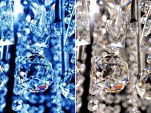 蓝色和白色水晶链水晶下垂水晶球 免版税图库摄影