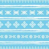 蓝色和白色ikat部族无缝的样式 免版税库存图片