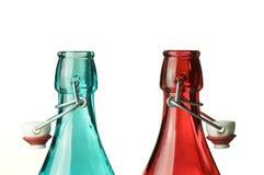 蓝色和红色瓶 库存图片