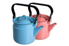 蓝色和红色水壶 库存图片