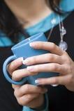 蓝色咖啡杯 图库摄影