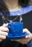蓝色咖啡杯 免版税库存照片