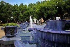 蓝色喷泉 免版税库存照片