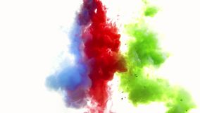 蓝色喷洒在水中的红色和绿色和 股票视频