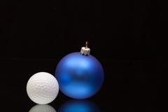 蓝色圣诞节装饰高尔夫球 图库摄影