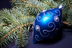 蓝色圣诞节装饰 图库摄影