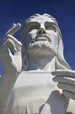蓝色基督・哈瓦那耶稣天空雕象 免版税库存图片