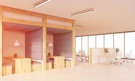 蓝色墙壁饭厅和小卧室 图库摄影