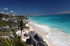 蓝色墨西哥海洋tulum 库存照片