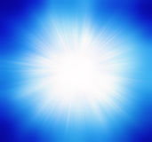 蓝色夏天太阳光爆炸 库存图片