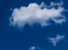 蓝色多云天空 图库摄影