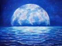 蓝色夜海油画-在海反映的背景大发光的月亮的黑暗的树挥动-幻想艺术例证 免版税图库摄影