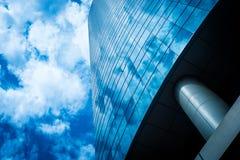 蓝色大厦天空 图库摄影