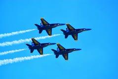 蓝色天使的飞过 库存图片