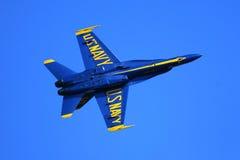 蓝色天使飞行表演 免版税库存图片