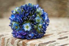 蓝色婚礼花束 库存照片