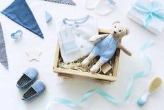 蓝色婴儿阵雨辅助部件庆祝和装饰 免版税库存图片