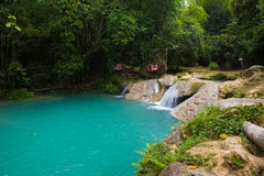 蓝色孔牙买加 免版税图库摄影