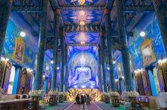 蓝色寺庙或Wat荣Sua十是一个城镇地标  免版税图库摄影